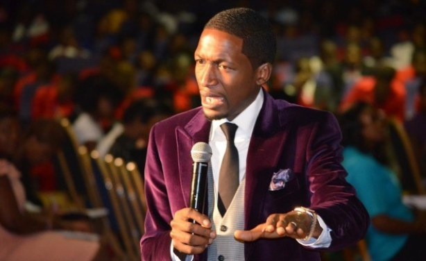 Top 10 Richest Pastors in Nigeria & Africa (2018)! - Reviewcious